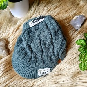 NWT Adidas Women's Fit alined Beanie with Brim